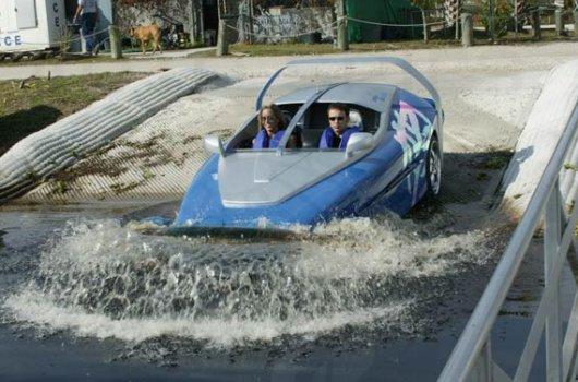 Автомобиль на подводных крыльях Splash