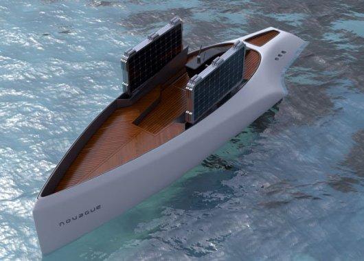 Яхта Novague на солнечных парусах