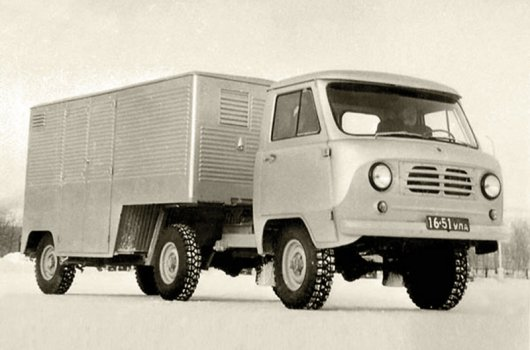 Седельный тягач УАЗ-452П