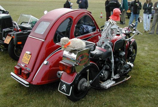 Мотоцикл с коляской на базе Citroen 2CV
