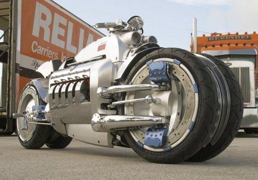 Четырехколесный мотоцикл Dodge Tomahawk