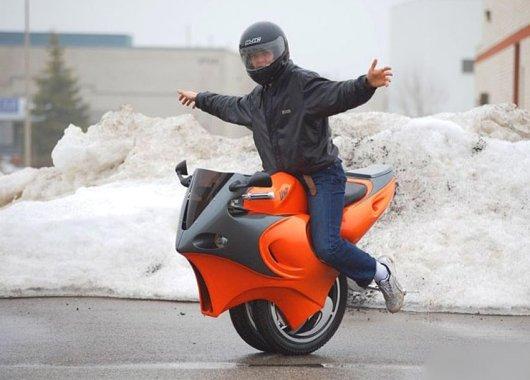 Мотоцикл на одном колесе
