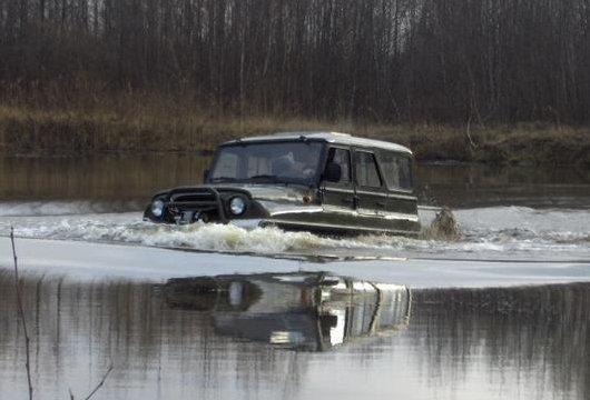 Автомобиль-амфибия ЗВМ 2410 Ухтыш