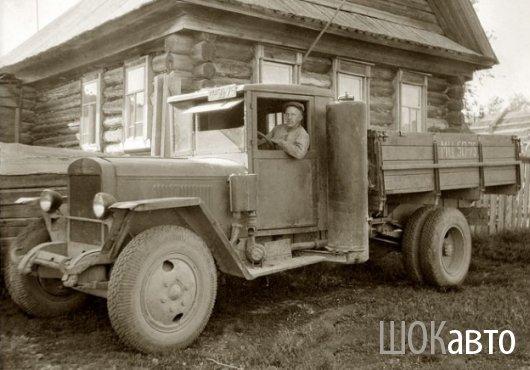 Газогенераторный грузовой автомобиль УралЗИС-352