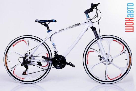Модный городской велосипед БМВ